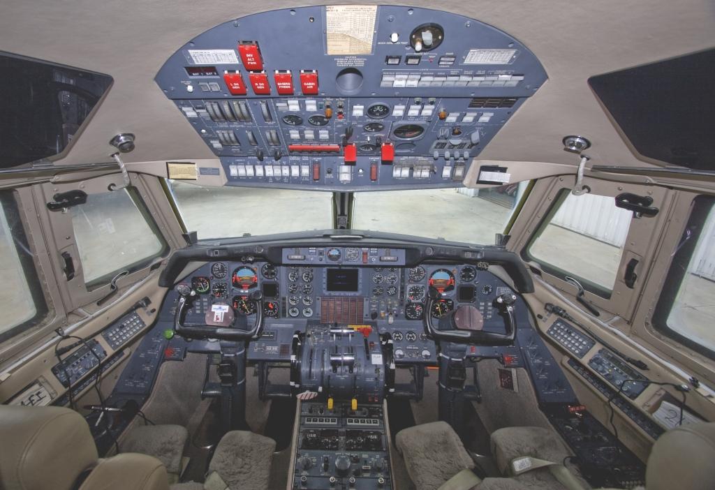 n264cl_cockpit