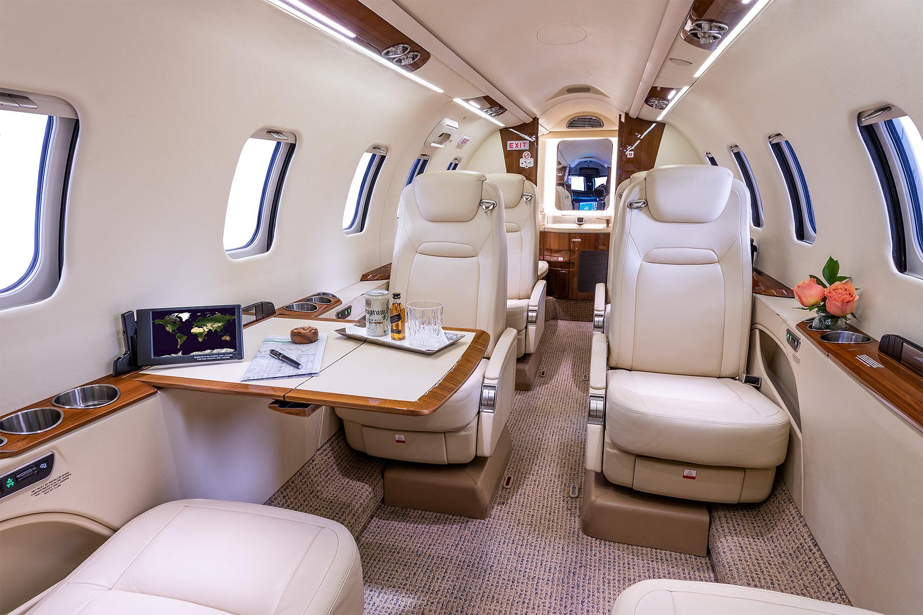 Learjet-70-847-04.jpg